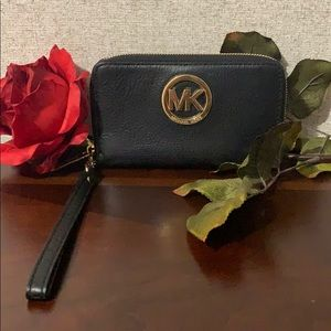 MK wristlet wallet( black and Gold)